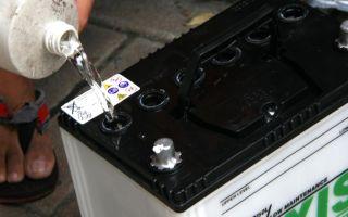 Обслуживание автомобильных аккумуляторов. как правильно обслуживать гелевый, щелочной, кислотный аккумулятор своими руками