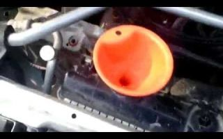 Инструкция как заменить охлаждающую жидкость (антифриз/тосол) в радиаторе охлаждения мазда демио. замена антифриза на demio своими руками